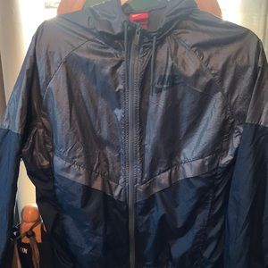 Navy Blue Nike Windbreaker, NWOT,perfect condition